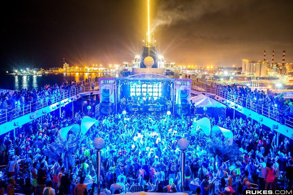Holy Ship! 2015